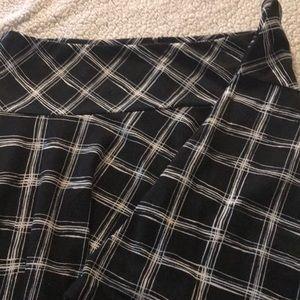 Black and cream plaid skirt from lane Bryant.